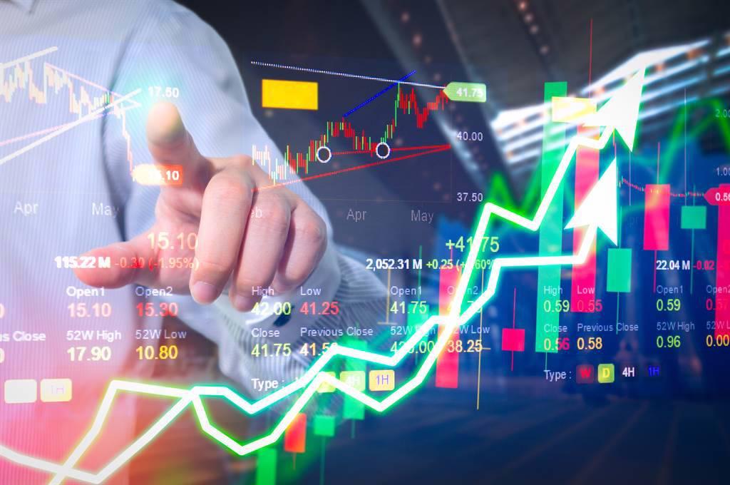 本周盤勢拚反彈站穩月線上,市場聚焦指標公司除息、7月營收以及半年報等三大因素。(示意圖/達志影像/shutterstock)