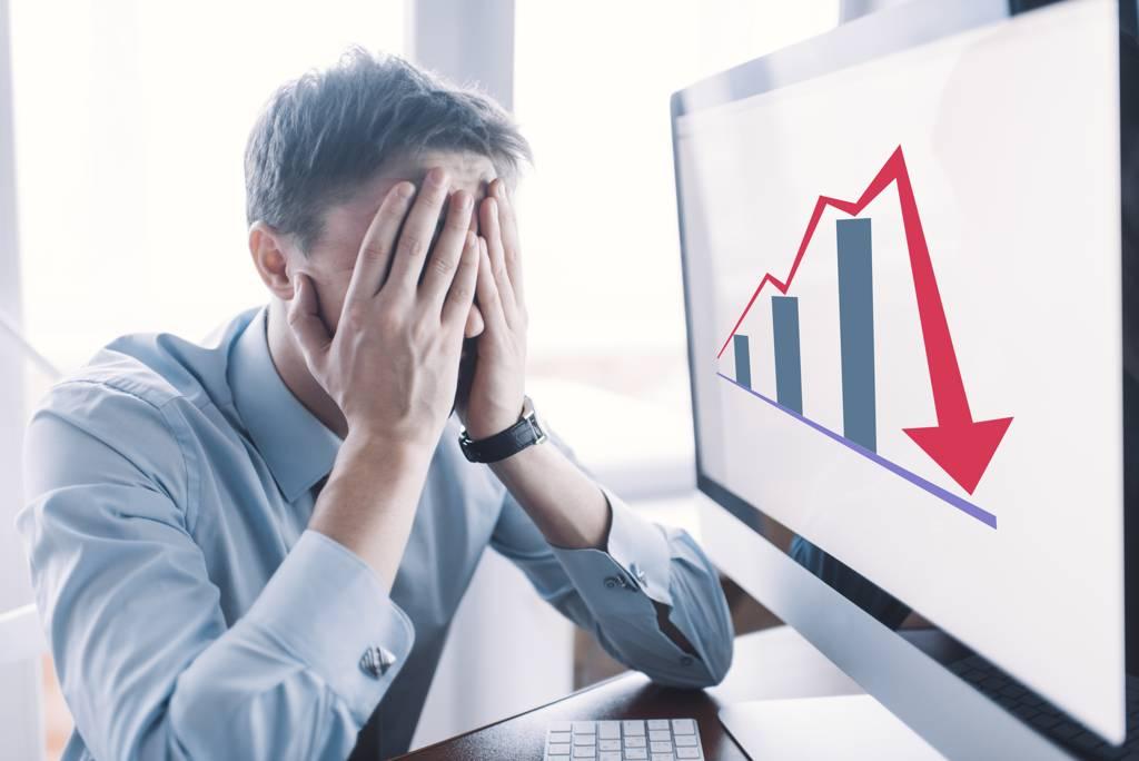 0056近一個月也下跌逾7%,不少投資人憂心手上0056帳面已經虧損,是否該忍痛賣掉。(示意圖/達志影像/shutterstock)