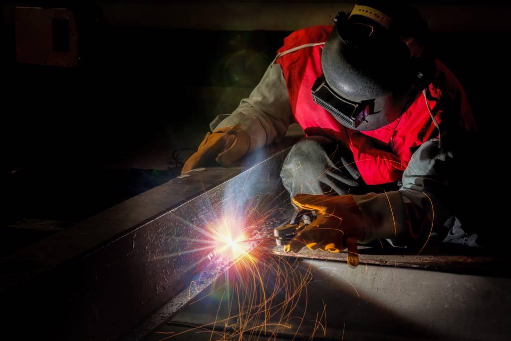 外資及投信同步大幅買超中鋼,帶動中鋼股價穩定向上攀揚。(示意圖/達志影像/shutterstock)