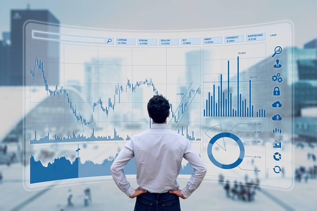 郭俊宏每月定期定額扣款1.2萬元,股債靈活配置,累積千萬財富。(示意圖/達志影像/shutterstock)