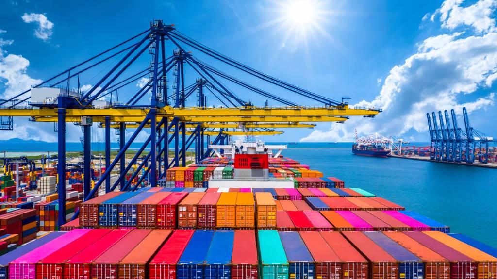 外資8月23日大買貨櫃三雄。(示意圖/Shutterstock)