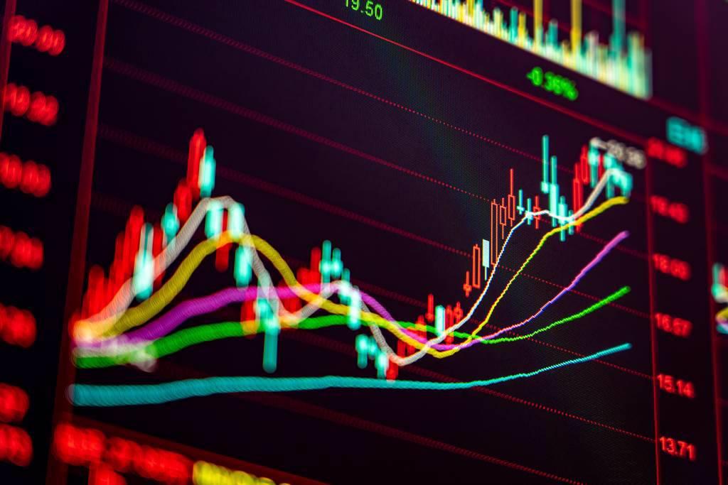 股市不斷創高,但經濟復甦卻呈現疲軟,導致美股正在醞釀一場風暴,先前的漲勢可能就此告一段落。(示意圖/達志影像/shutterstock)