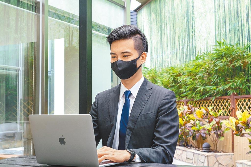 中壽數位創新助攻業務同仁,更為今年1-7月業務員數淨增加最多的壽險業。圖/中壽提供