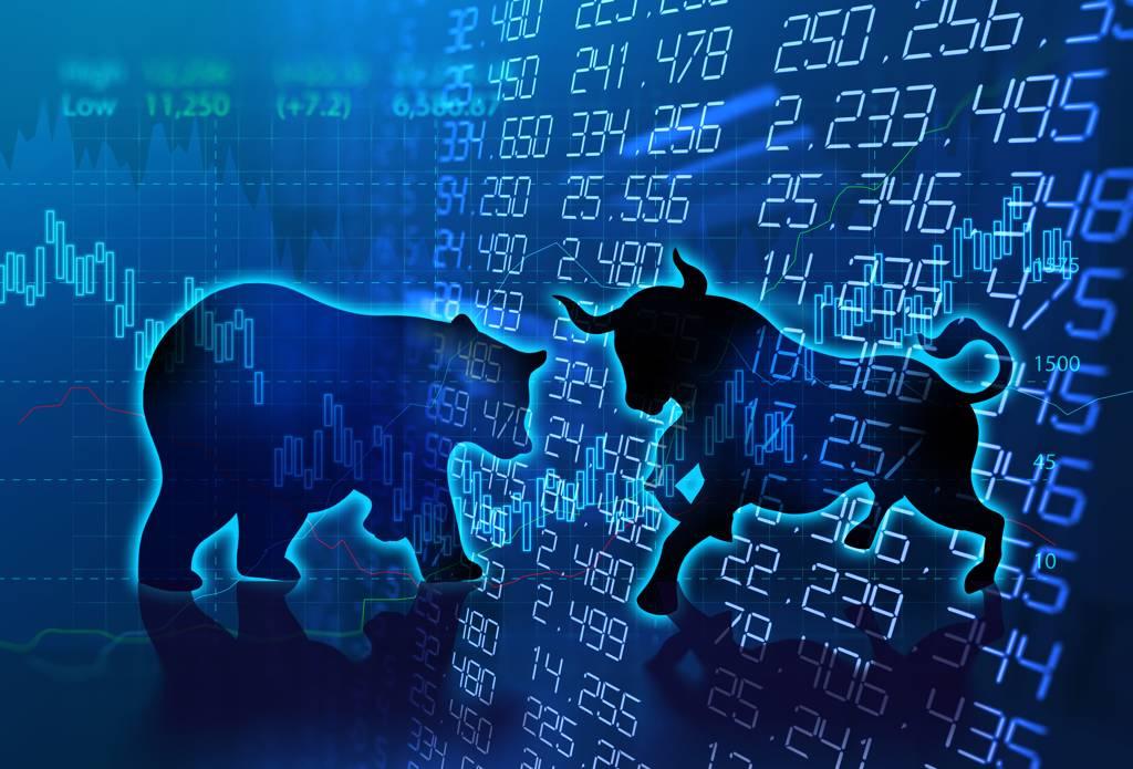 謝金河認為,台股多空即將攤牌,進與退就看半導體、鋼鐵、航運股和金融股等四大類股。(示意圖/中時資料照)