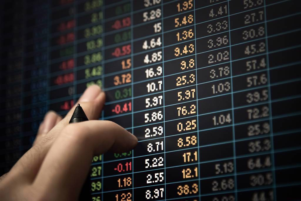 投顧認為,台股短空長多,尚有企業獲利向上、傳統旺季來臨與外資回補等「三多」抵抗力空。(示意圖/達志影像/shutterstock)