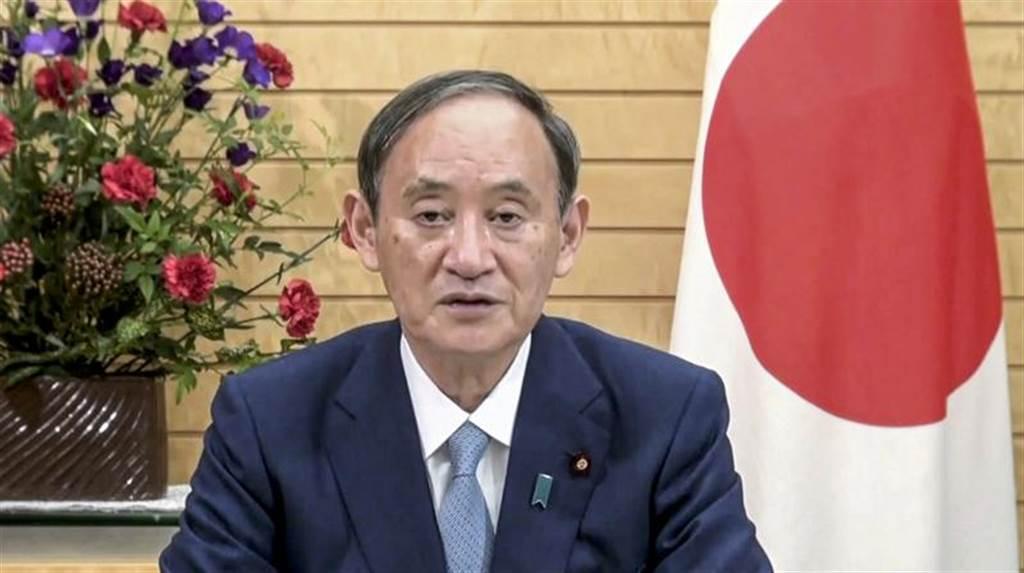 日本首相菅義偉今天在四方安全對話(Quad)峰會上表示,樂見美國、英國及澳洲上週宣布建立防衛聯盟,協助澳洲發展核動力潛艦。(圖/美聯社)