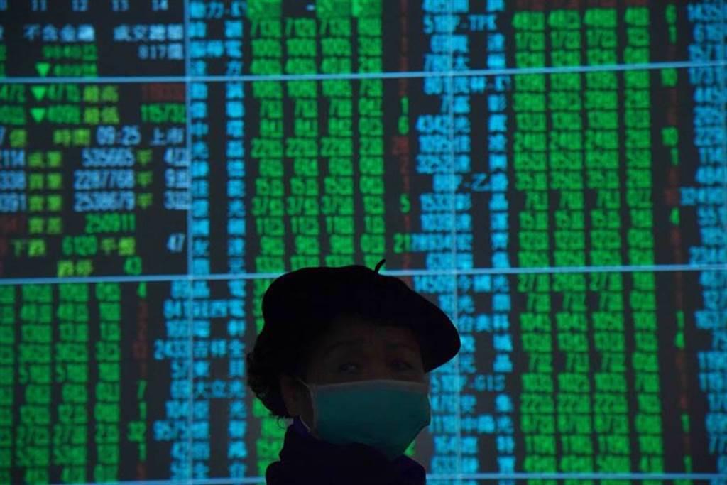 「愛息」族越跌越買,0056成首檔晉身「千億貴族」的台股高股息ETF。(示意圖/達志影像/Shutterstock)