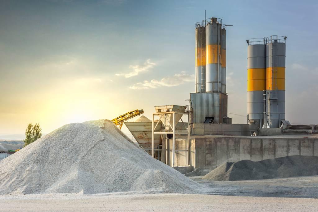 旺季效應、能耗雙控及高價煤炭等3股力量,讓水泥雙雄股價有撐。(示意圖/達志影像/Shutterstock)