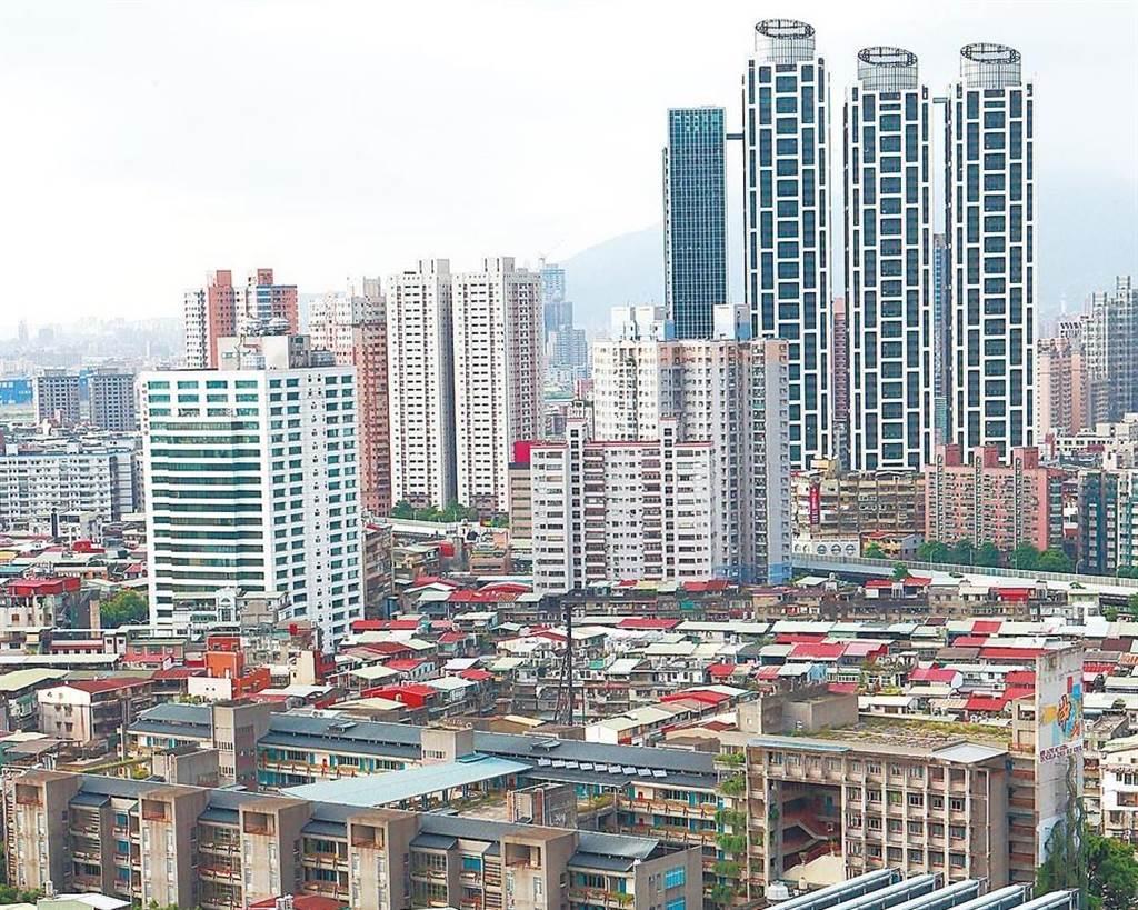 專業地政士蔡岳臻表示,買房之前最好試算人生,以免揹上重重的殼。(資料照)